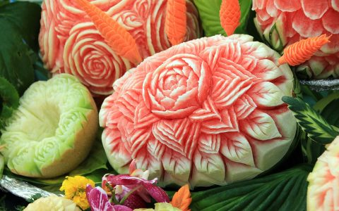 food-188161_1920_melon_carving_pixabay